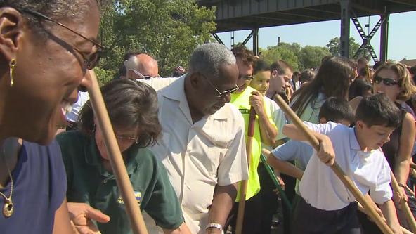 Hank Aaron left legacy in Milwaukee's African-American community