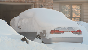 Nearly 18 inches of snow pummels Racine: 'Enormous snowfall'