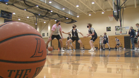Father, sons make up record-setting basketball family