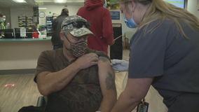 Milwaukee VA holds COVID-19 vaccine clinic for veterans
