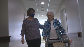 COVID-19 vaccine clinic reunites mom, daughter after months apart