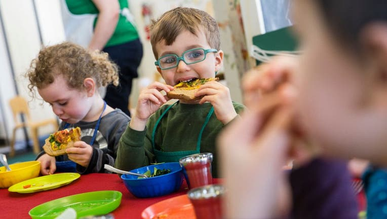 Teaching Kids How To Junk Bad Eating Habits