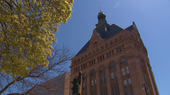 Milwaukee proposes $15/hour wage for city employees