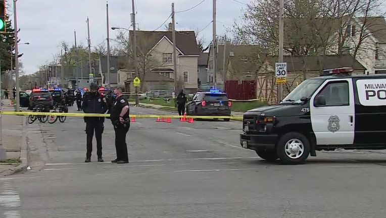 Shooting investigation near 20th and Center, Milwaukee