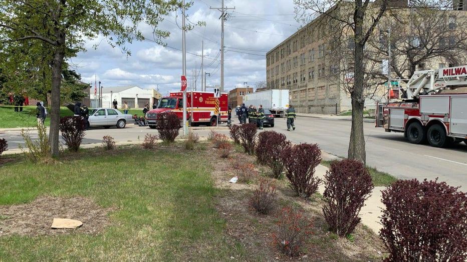 2-vehicle crash at 32nd and Fond du Lac, Milwaukee