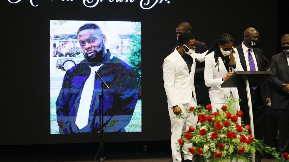 e47cb15b-Viewing And Funeral Held For Victim Of Police Killing, Andrew Brown Jr., In North Carolina