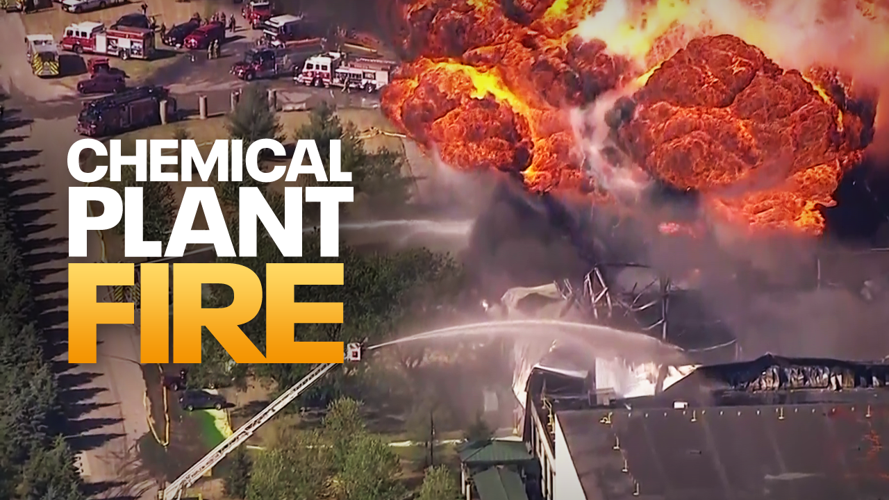 Illinois chemical fire to burn for days, Wisconsin firefighters respond
