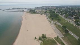 Students study Lake Michigan shoreline, erosion prevention measures