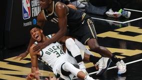 Bucks' Antetokounmpo hyperextends left knee, MRI scheduled