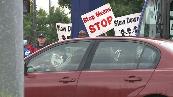 Milwaukee neighborhood reckless driving rally, teens sign pledge