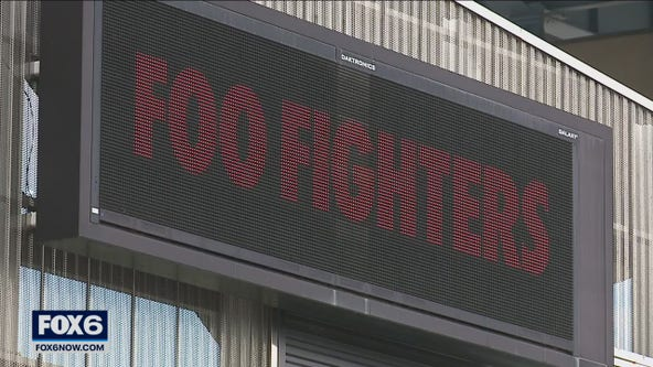 Foo Fighters in Milwaukee, 1st big concert since COVID