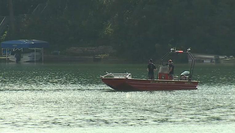 Boats search Lower Nashotah Lake