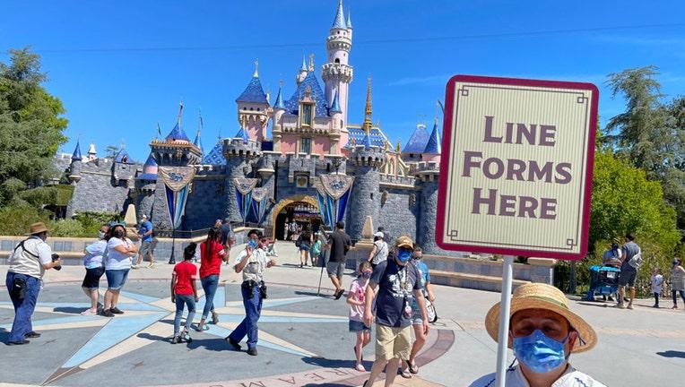 098e67ca-GETTY-Disneyland