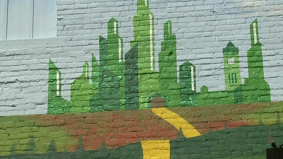 Wizard of Oz mural, Oconomowoc