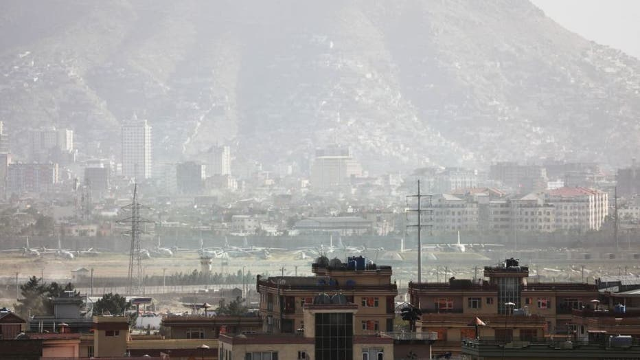 ff7be6dd-Evacuations continue a day after explosion hits Kabul airport