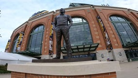 Bob Uecker Day: Brewers celebrate at American Family Field