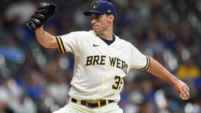 Brewers' Brent Suter named Roberto Clemente Award nominee for 2021