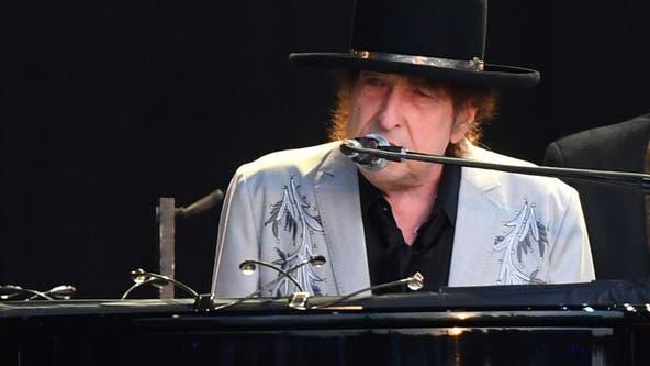 Bob Dylan at Riverside Theater; concert set for Nov. 2