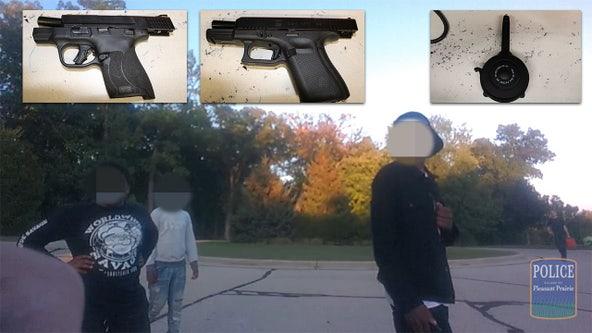 Pleasant Prairie police arrest Illinois teen, guns found: video