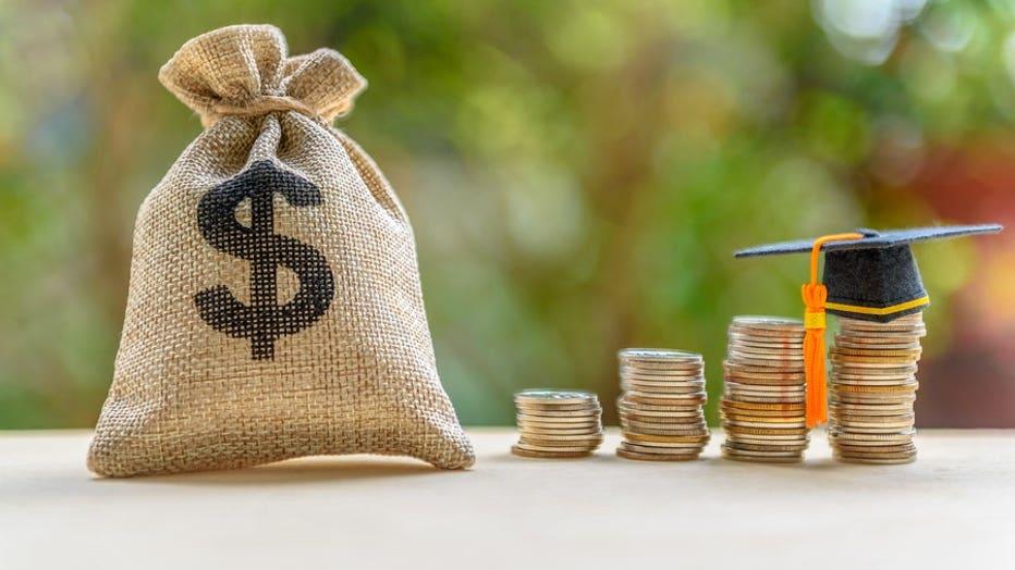 Credible-monthly-student-loan-refinance-iStock-1058274784.jpg