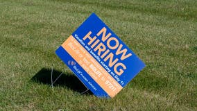 US unemployment claims fall to 326,000, first drop in four weeks