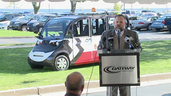 Driverless public transportation in Racine; the 'Badger' unveiled