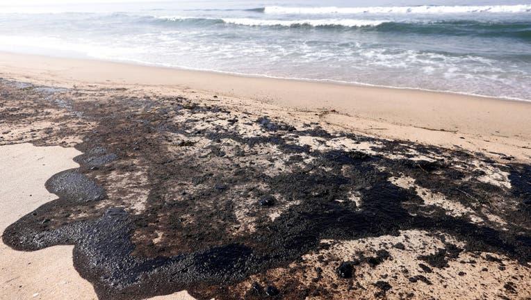 d091acbf-Major Oil Spill Fouls Southern California Beaches