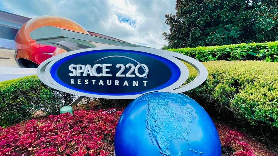 DAVID-MARTIN-space-220-6.jpeg