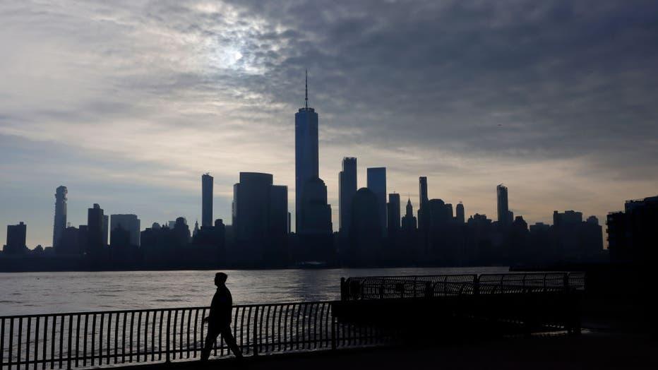 e363e611-Sunrise in New York City