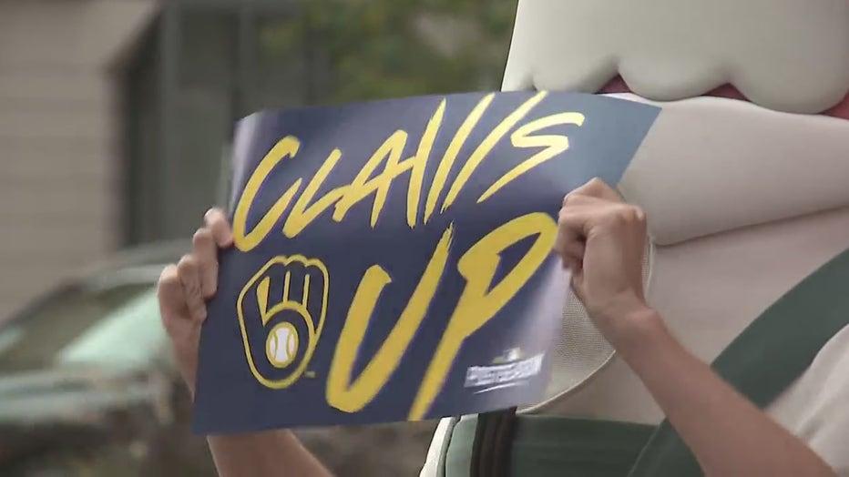 """Claws Up"" event celebrates Milwaukee Brewers' postseason run"