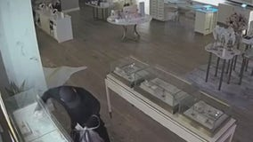 Kendra Scott burglary