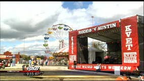 Thousands enjoy mutton busting and bull-riding at Rodeo Austin