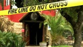 Two alarm fire destroys Lago Vista landmark, Mojo's Icehouse