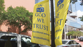"Atheist group's ""In No God We Trust"" banners stir controversy in Fort Worth"