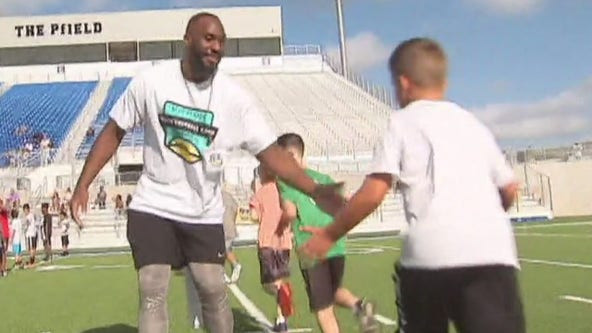 Alex Okafor holds football camp in Pflugerville