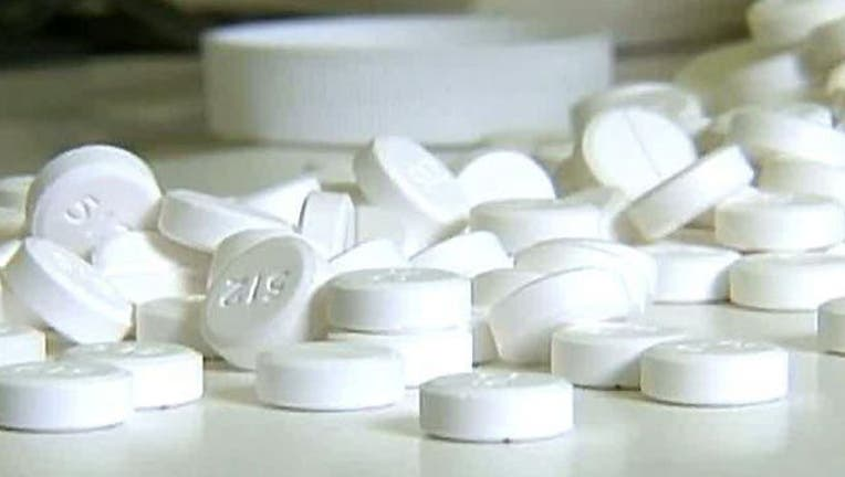 pills-oxycontin-medicine-404023.jpg