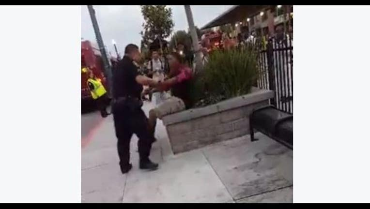 Stockton police officer struggles with teen at bus stop-407068