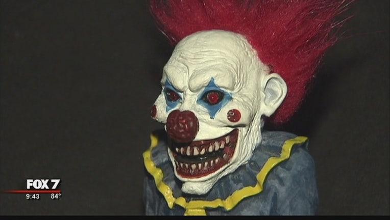 b728a100-Creepy_Clown_Sightings_0_20161005033323