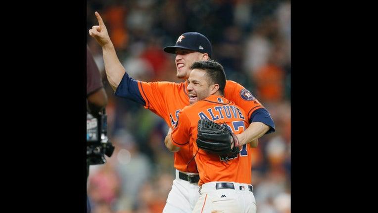 GETTY-Astros win in double header over Mets-408795