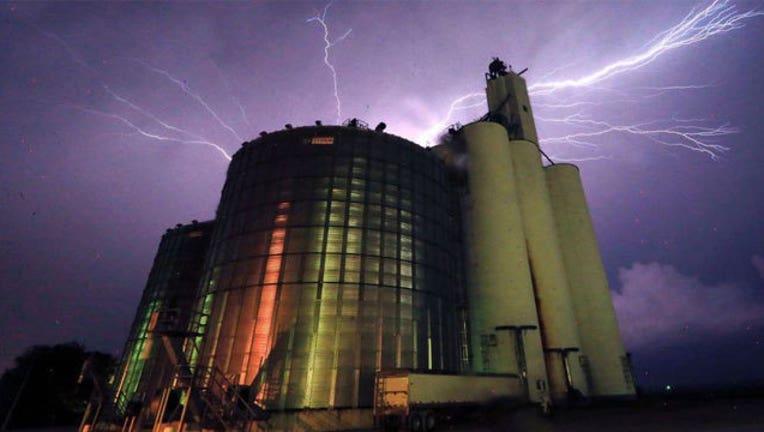Kansas-storms_1464290053336.jpg