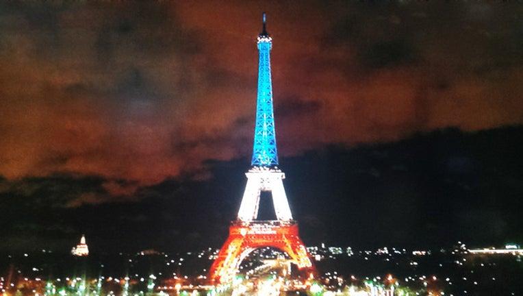 Paris at Night with Lights_1448300895434.jpg