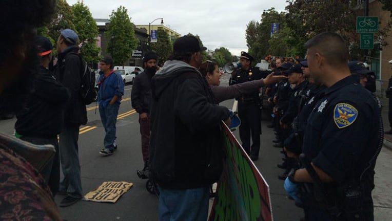 8b9acd6e-SF-protests_1462649799869.jpg
