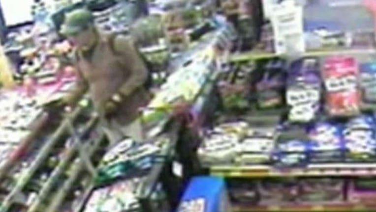 f48f93bd-San-Diego-suspect_1467835073917.jpg