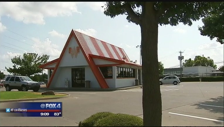 Suspects_sought_in_Garland_Whataburger_r_0_20150822023223-409650