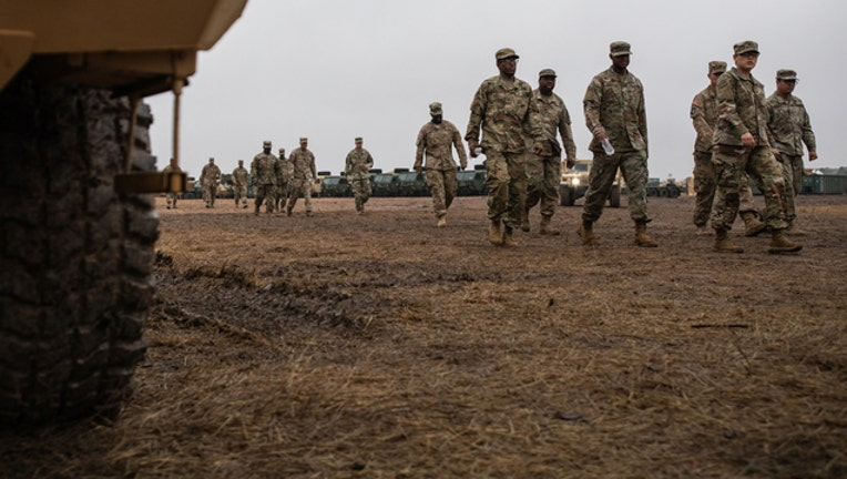 e5f86284-TROOPS-ON-SOUTHERN-BORDER-GETTY_1549229051610-401720.jpg
