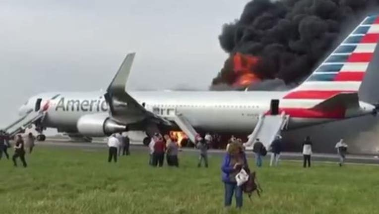 a54c893b-american-airlines-fire-ohare_1477688648354-404023.JPG