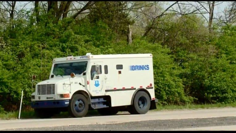 77f4434d-brinks-truck_1525289732623-402970.jpg