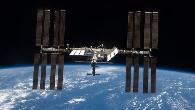 international-space-station-402429.jpg