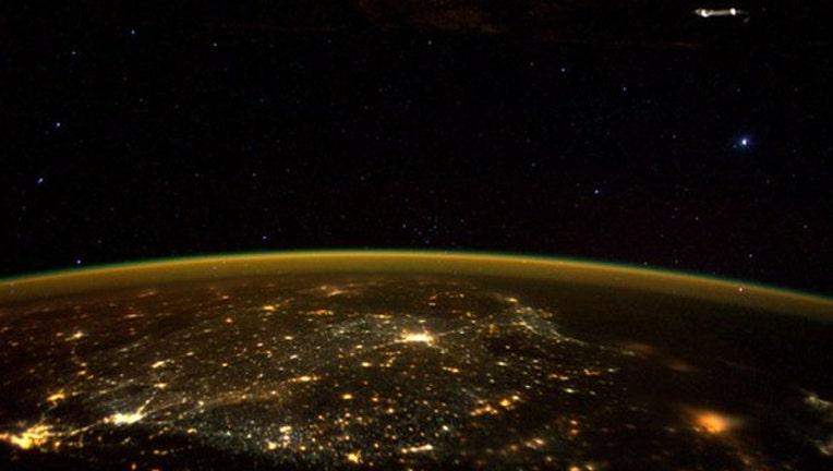 space ufo_1448034051480-403440.jpg