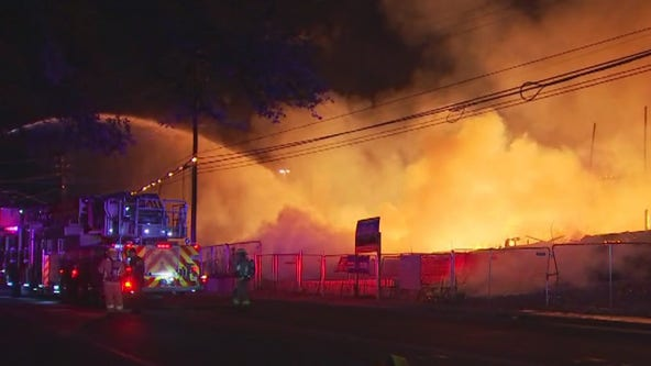 Fire destroys South Austin condos under construction, nearby apartments